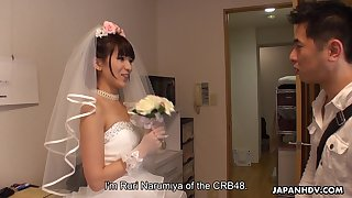 Japanese bride gives a blowjob to one be advisable for undesigned clients