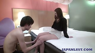 Crestfallen Japanese chick Ayumi Mukojima gets her pussy fucked plus creampied